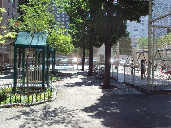 Public bathrooms on the upper west side for Riverside park bathrooms