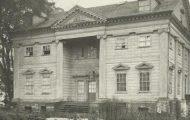 Apthorp Mansion