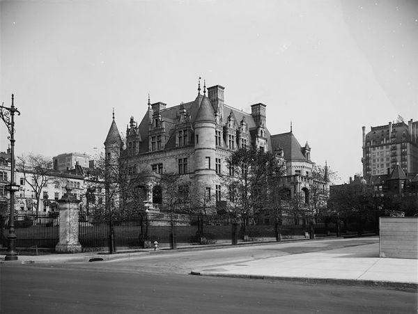 Charles Schwab House