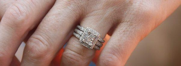 Woman Loses Diamond from Engagement Ring on 82nd Street