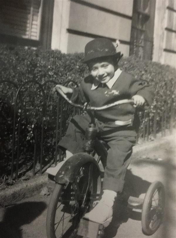 1940s NYC children playing