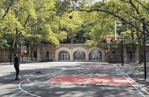 riverside park basketball courts