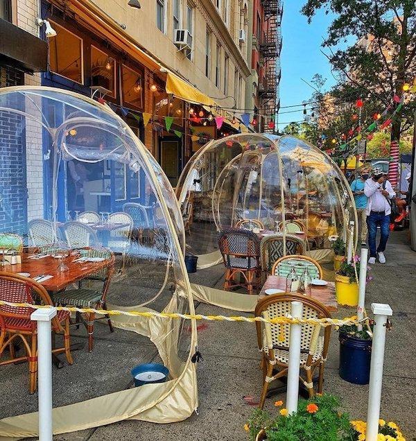 space bubbles Cafe du Soleil
