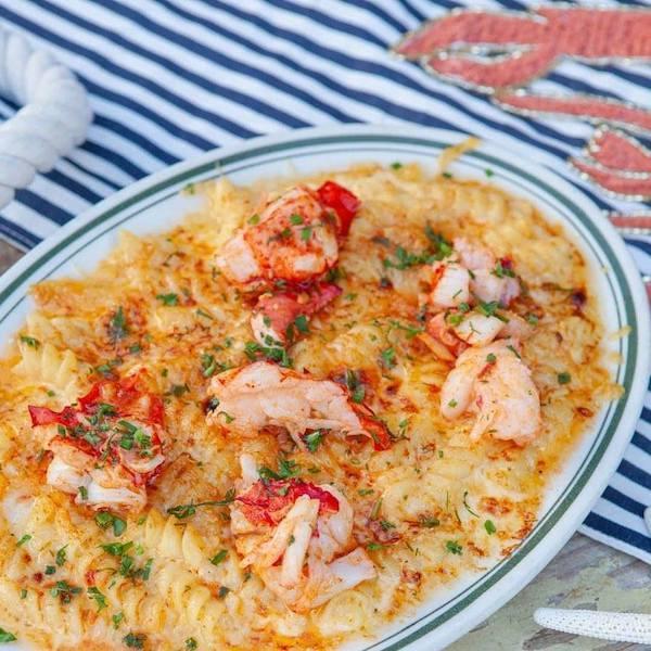 El Fish lobster mac and cheese