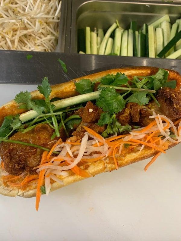 fried chicken banh mi