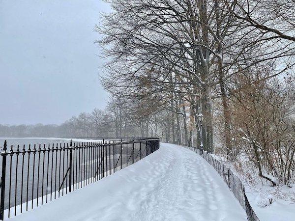 Central Park Reservoir snowed out