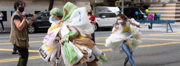 dancing with plastic bags UWS