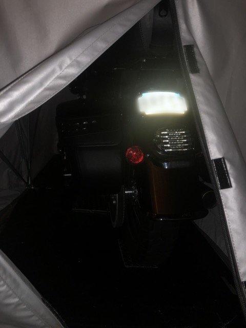 دراجة في الخيمة