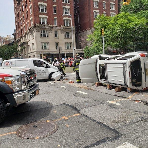 car crash 90th and Broadway