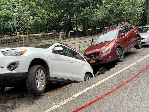 cars fall into nyc sinkhole
