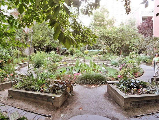 how many community gardens in nyc